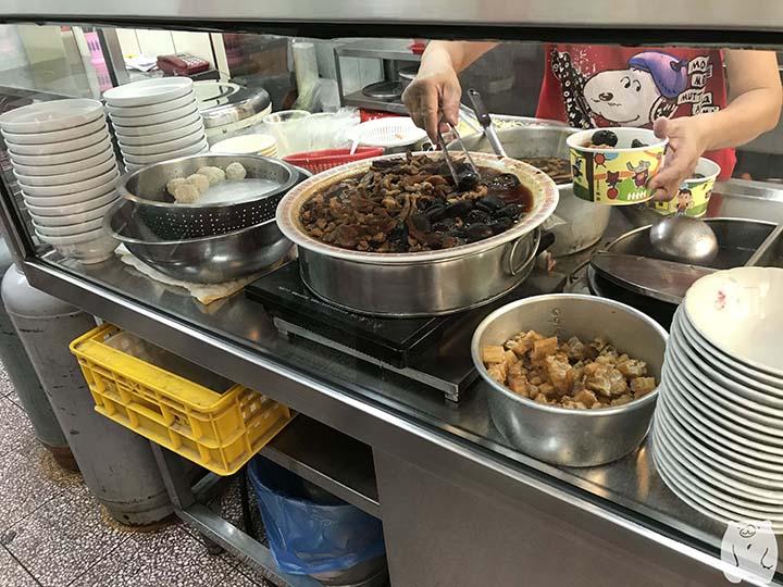 石精臼蚵仔煎|香菇飯湯の食材