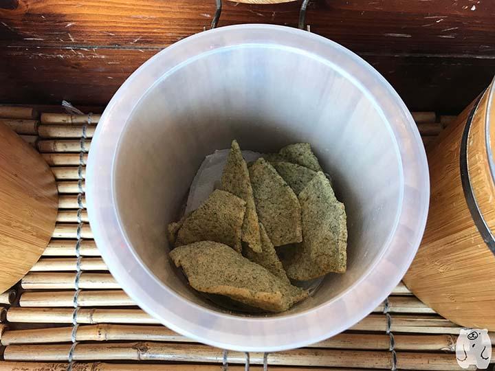 蝦米工坊&河童仙菓|海苔味のエビせんべい