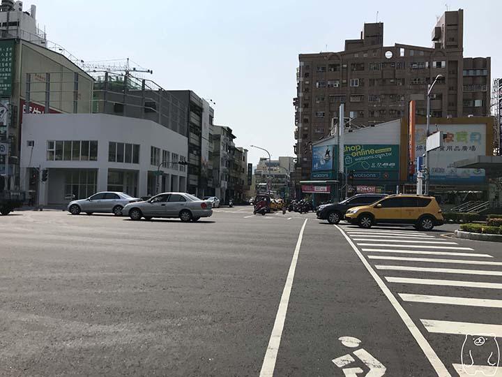 ミシェールヘアサロンへの行き方|横断歩道を渡る